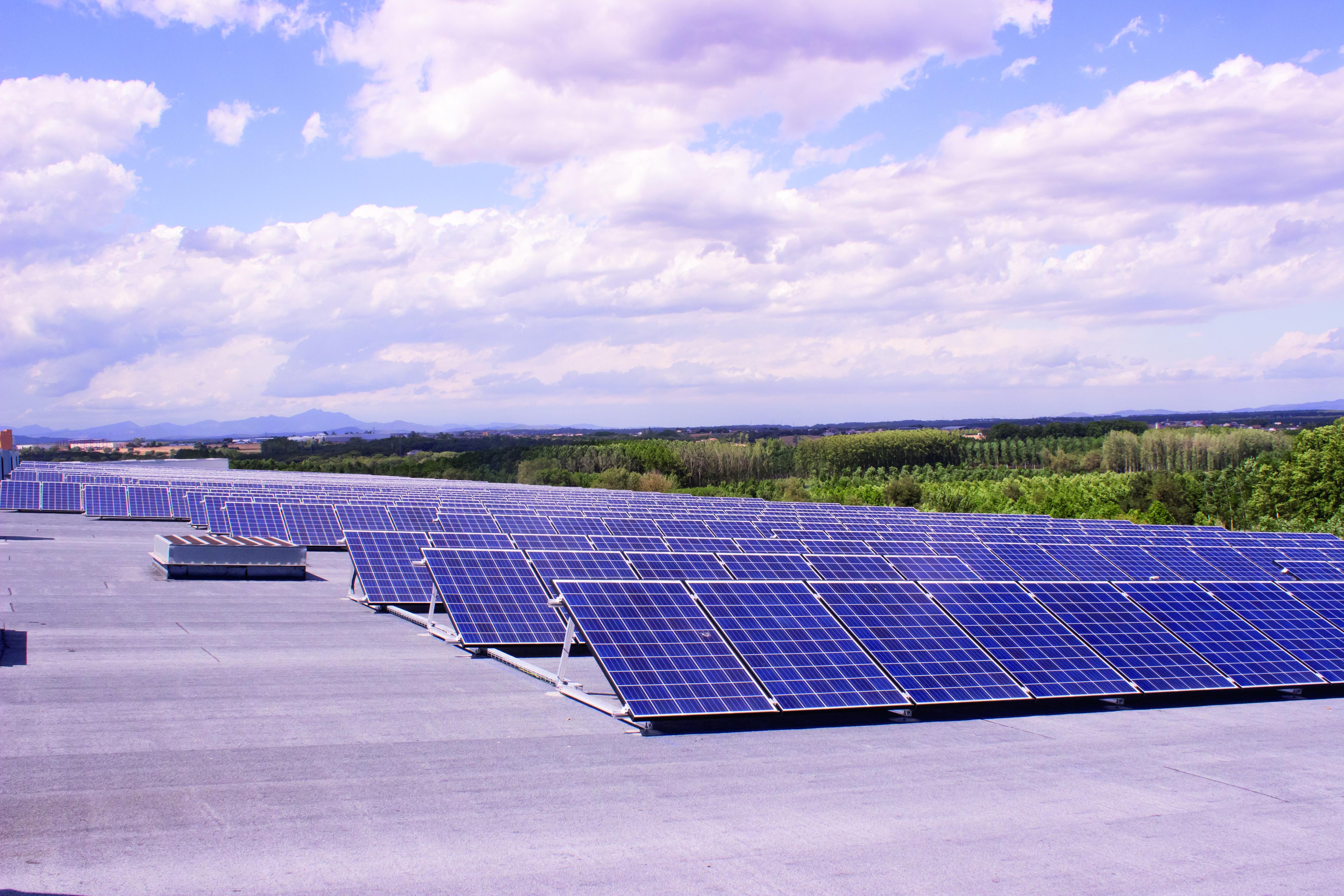 Instalación de placas fotovoltaicas Frit Ravich